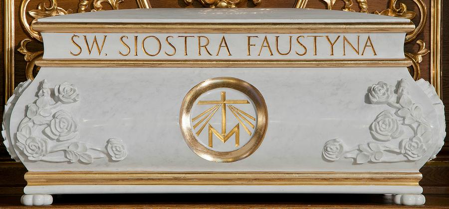 wikipedia commons / Coffin of santa Faustina Kowalska